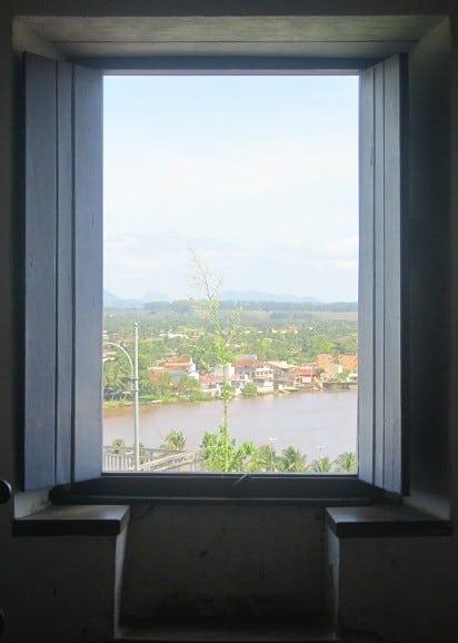 janela-mosteiro-es