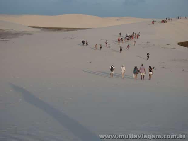 Mesmo em novembro, que não é considerada a melhor época para ir aos Lençóis, as dunas ficam cheias