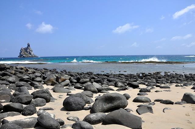 praia atalaia - fernando de noronha