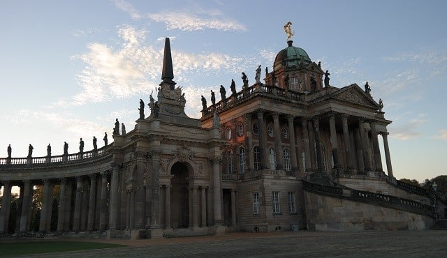 Nue Palais