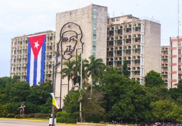 A famosa silhueta do guerrilheiro Che Guevara em Cuba
