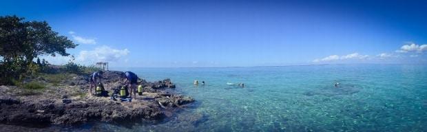 Uma ilha no Caribe, Cuba tem águas turquesa e transparentes
