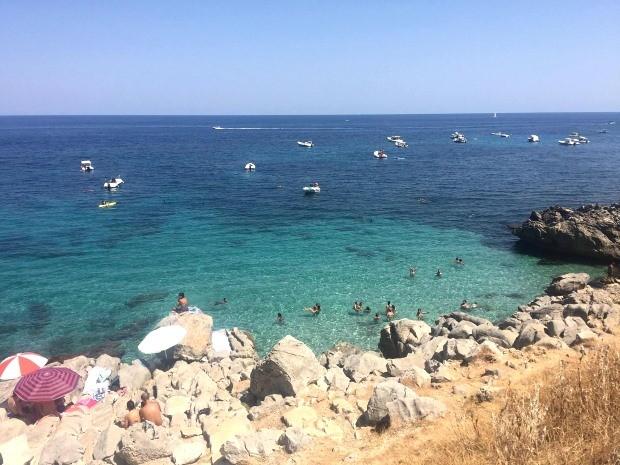 Ir para a praia é uma experiência imperdível em Palermo, Itália