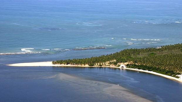 Para ficar perto da praia do Gunga, se hospede em um resort na Barra de São Miguel