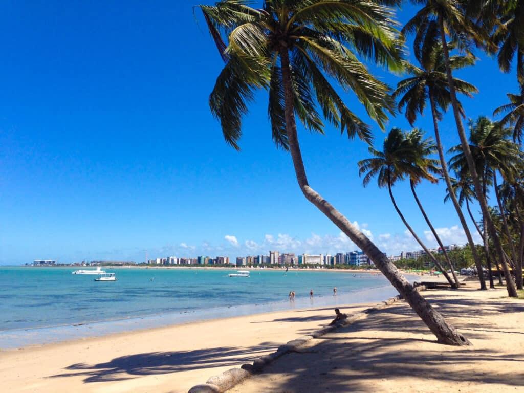Vale a pena conhecer em Maceió a praia de Ponta Verde