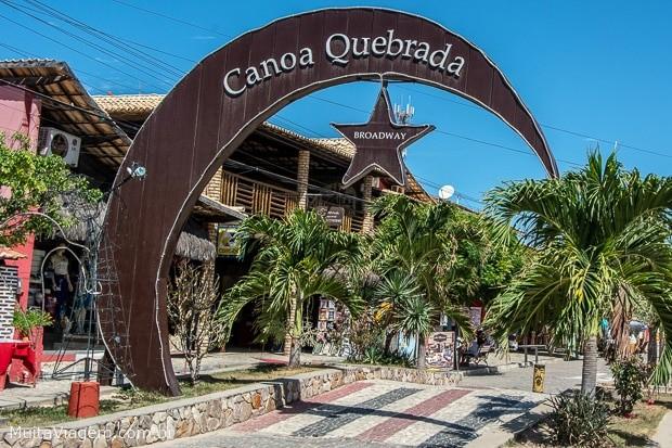 A noite em Canoa Quebrada começa na Broadway